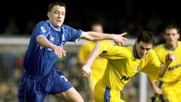 john-terry-chelsea-gillingham-terry-in-action-2000_3463877